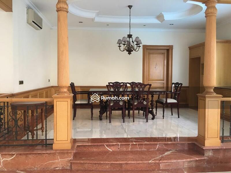 Disewa rumah di Pondok Indah #97275300