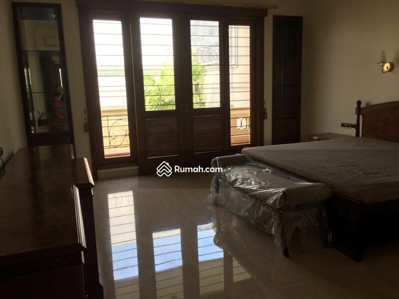 Disewa rumah di Pondok Indah #97275310