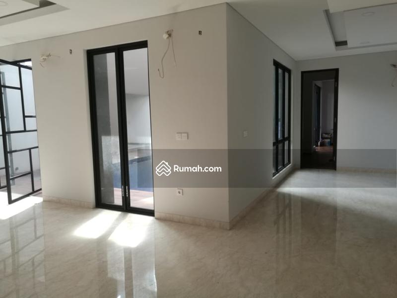 Rumah mewah siap huni dalam cluster elite di Summarecon Gading Serpong, Tangsel #97351558