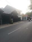 Rumah di Klender, Akses Angkot, Cocok untuk Usaha, Strategis Seberang stasiun KRL