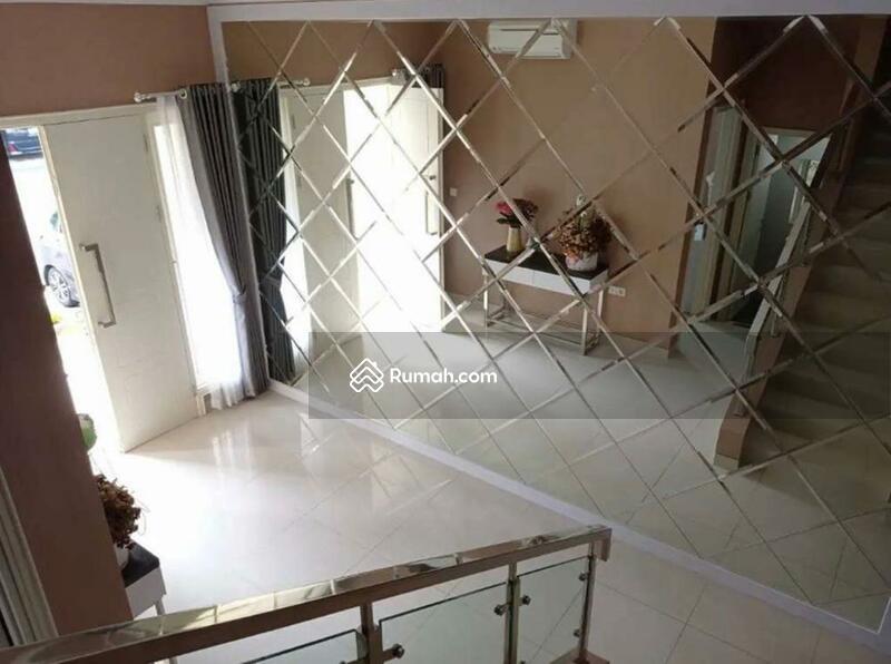 Dijual rumah Maxwell semi furnish Summarecon serpong Tangerang #97612588