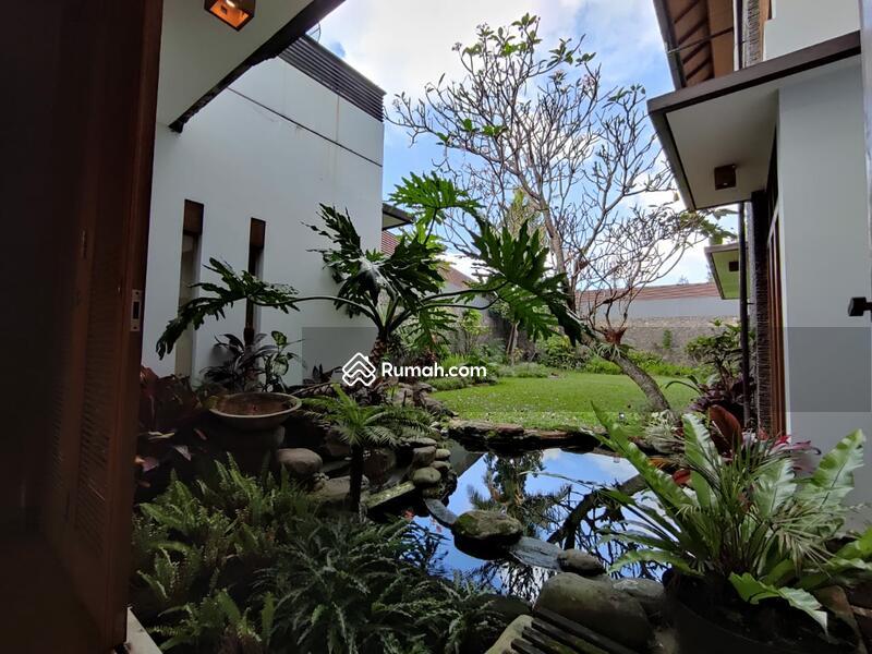 Rumah sangat Asri dan Luxuary Mewah siap huni di Setraduta,Bandung #97619956