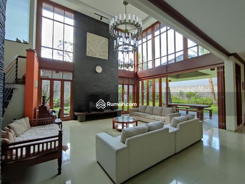 Rumah sangat Asri dan Luxuary Mewah siap huni di Setraduta,Bandung #97619964