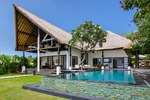 Beachfront 3BR Villa in Singaraja North Bali
