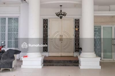 Dijual - Rumah Bagus Asri dan Aman di royal residence