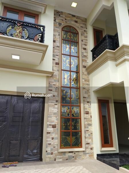 Rumah Baru dengan Design yang Luas serta Nyaman untuk Tinggal #98174456