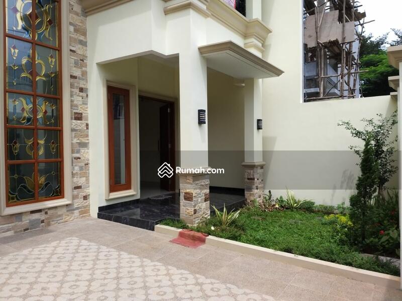 Rumah Baru dengan Design yang Luas serta Nyaman untuk Tinggal #98174458