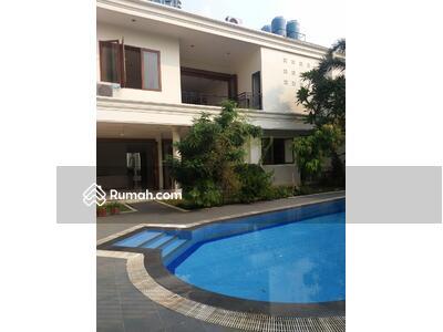 Dijual - Rumah Kemang, Mewah, Lingkungan Elit, Siang Huni