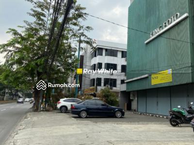 Disewa - Ruko di Jl. Sultan Iskandar Muda, Pondok Indah