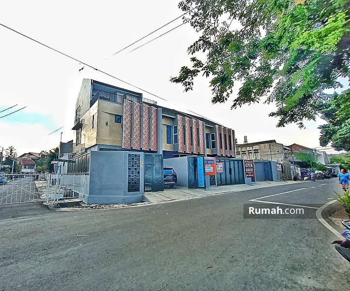 Rukan Baru di Tebet Jakarta Selatan Jalan Lebar #98373840