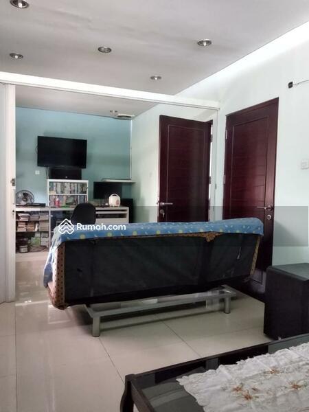 Rumah Pinggir Jalan Bintara #98421736