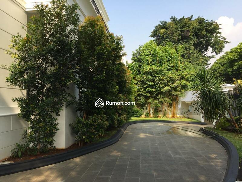 Rumah Exclusive Pondok Indah with Private Lift #98486356