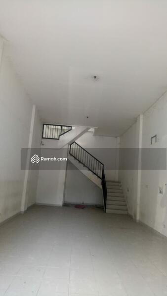 Ruko Siap Huni 3Lantai Luas 5x17 di  Jalan Raya Narogong, Bekasi Selatan #98557744