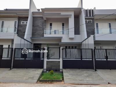 Dijual - Rumah Baru , Lingkungan Nyaman, Jalan Lebar, Pulomas