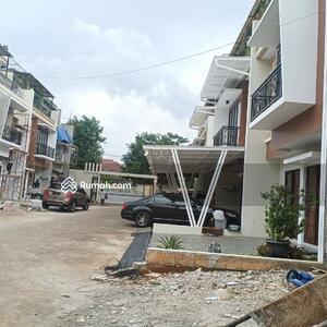 Dijual - HUNIAN MILENIAL 3LANTAI LANTAI DI TIMUR JAKARTA