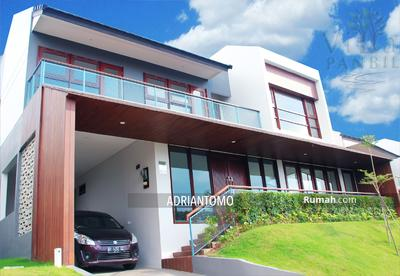 Disewa - 3BR Unique Forest House for Rent in Panbil