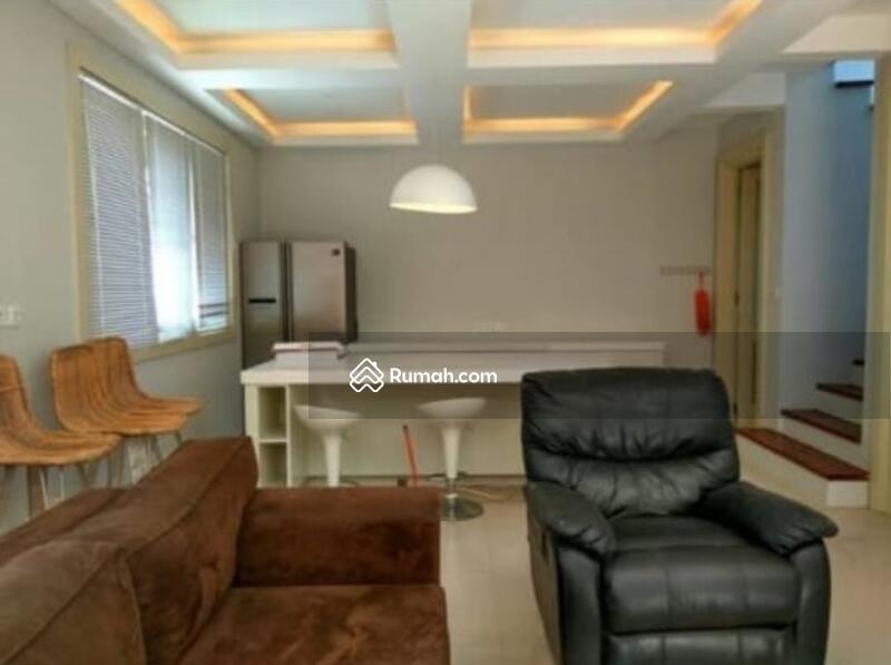 Vila Desain Minimalis 3 Kamar Tidur dengan Pemandangan Sawah #98725598