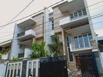 Rumah brand new di Simprug Jakarta Selatan