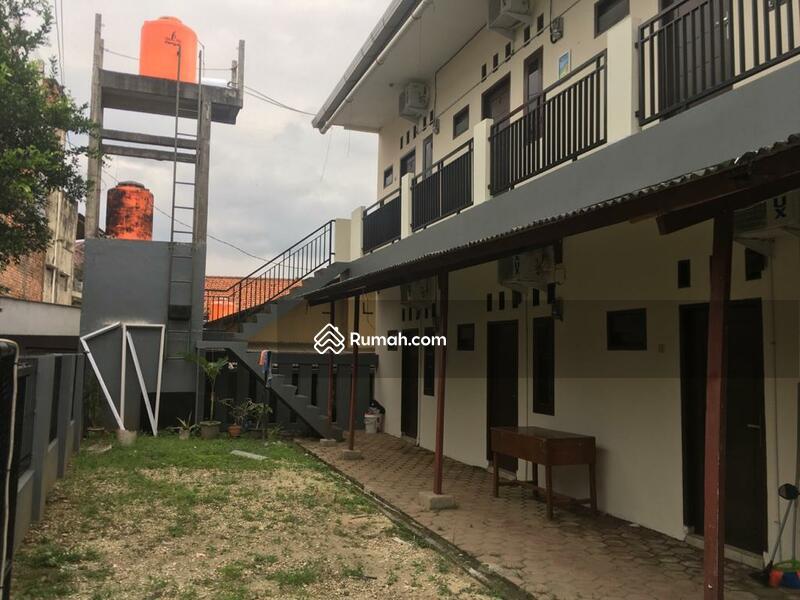Rumah kost dijual 8 kamar dekat UI dan Margo City Mal di Margonda, Depok