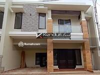 Dijual - Townhouse MEWAH dan MURAH dekat RAGUNAN dan CILANDAK
