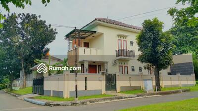 Dijual - 5 Bedrooms Rumah Bintaro, Tangerang, Banten