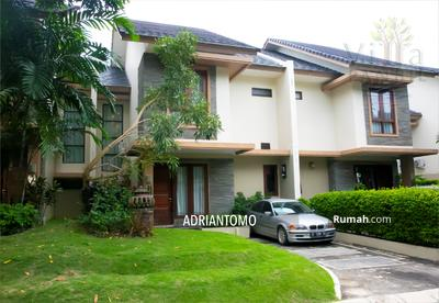 Disewa - 3BR Fully Furnished Tropical Villa for Rent in Panbil