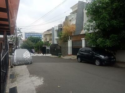 Dijual - Rumah BAGUS 2 Lt HITUNG TANAH Akses Jl 3 Mobil di Tebet Barat, Tebet, Jakarta Selatan