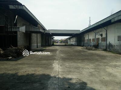 Dijual - Tanah Komersial 2 H Plus Bonus Bangunan 7000 meter Diapit Stasiun Ka dan Terminal