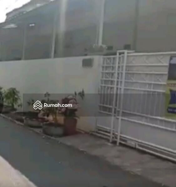 Dijual rumah dekat jalan utama Jakarta Timur #99190276