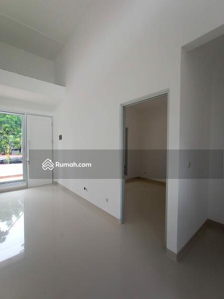 RUMAH CANTIK BARU Dijual Cepat Sangat Strategis dan Nyaman Di Graha Raya #99309644