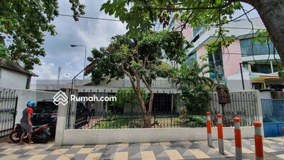 Dijual - Dijual RUMAH RAYA MAYJEND SUNGKONO LT 480 (12x40) Lb 300 kt 4 kmd 3 SHM Hadap Utara Cocok untuk Hote