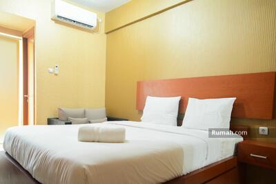 Disewa - Studio, 1BR & 2BR Full Furnished & Unfurnished with AC Green Lake View Apartment by Travelio