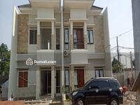 Dijual - Rumah Mewah 2 Lantai 700 Jtan di Pamulang