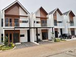 Town House 2 Lantai Exclusive Super Strategis Dekat Pintu Tol Pondok Gede Jatiwaringin Timur Jakarta
