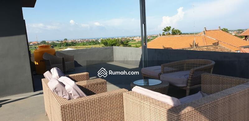 Rumah Minimalist 3 KT dengan Rooftop #99645118
