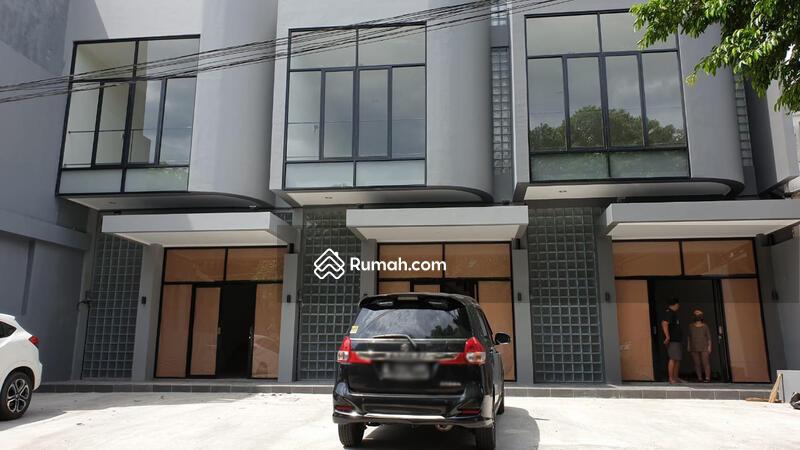 Ruko 2.5 Lantai Untuk Usaha di Lokasi Strategis Bintaro Sektor 9 #99739786