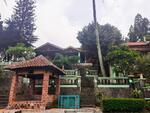 Villa mewah luas tanah 2, 626 mtr, di jual murah dekat pintu Toll caringin Bogor surat SHM