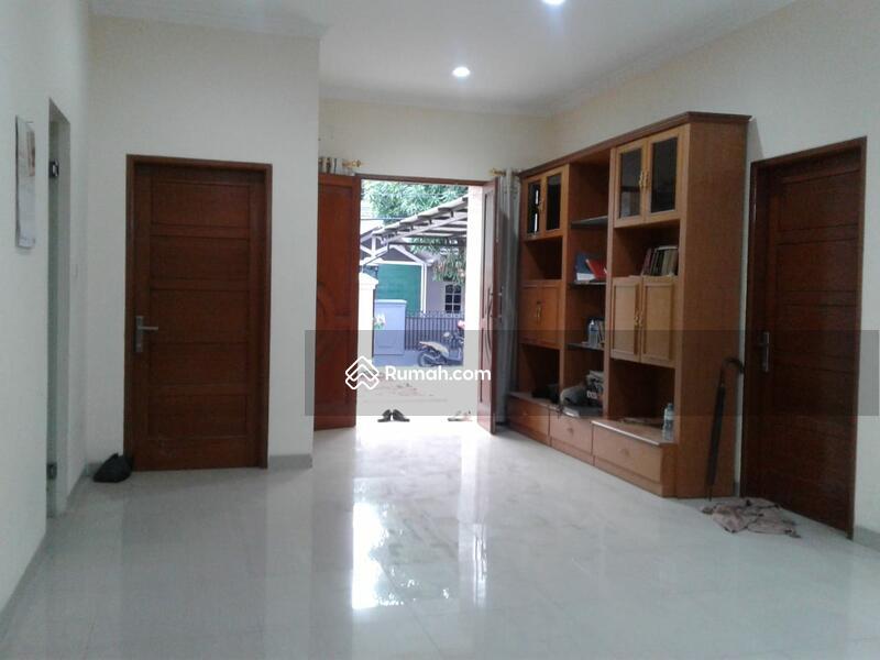 Rumah Cempaka Putih Siap Huni dengan Harga dibawah Pasaran #99838960