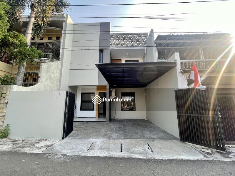 Rumah Di Tebet, Jalan 2 Mobil, Depan Taman #108290054