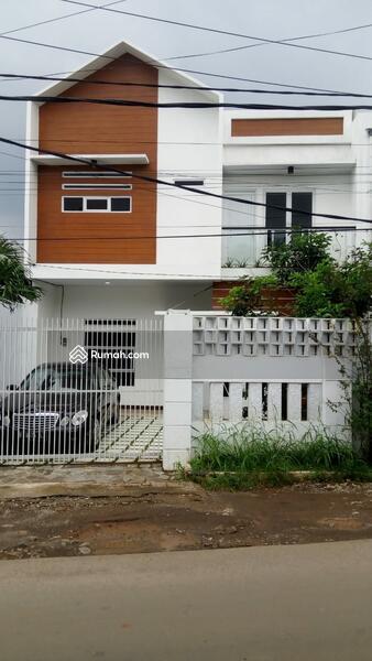 Rumah 2lantai pinggir jalan bambu apus #99946704