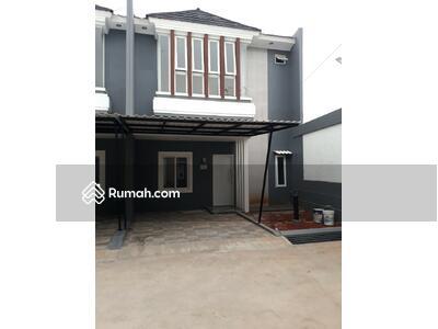 Dijual - Rumah Second di Cluster Jatiwaringin 2 Lantai