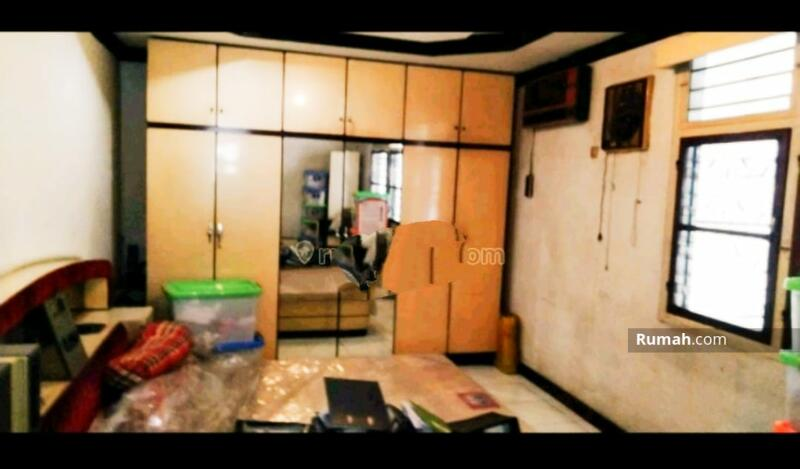 Dijual Rumah Tua di Tanjung Duren Utara cocok untuk bangun Ruko atau kost kosan , Jakarta Barat #100446800
