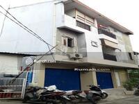 Dijual - Rumah 3. 5 Lantai Berlokasi Strategis & Dipinggir Jalan - Kemayoran
