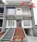 Rumah 3 Lantai Siap Huni