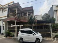 Dijual - Rumah 2lantai mewah terawat dalam cluster perumahan besar