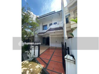 Dijual - Villa di Jalan Nyak Makam ( Patimura )