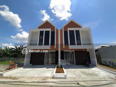 Dijual - 3 Bedrooms Rumah Jatiwaringin, Jakarta Timur, DKI Jakarta