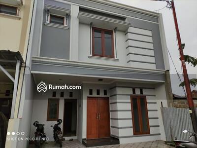 Dijual - Rumah Semi Cluster di Jatimakmur LB 160m