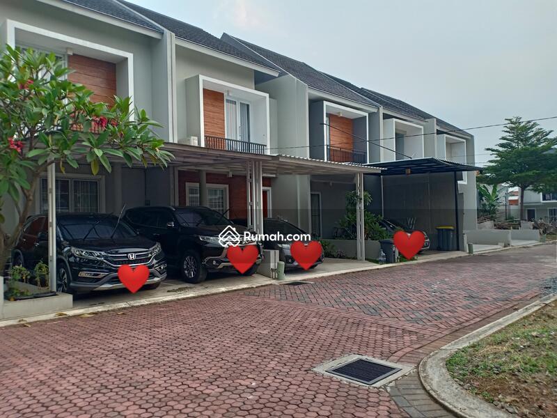 Rumah cluster strategis dkt tol LRT di jati Waringin Jakarta timur - etty 08993334194