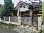 Rumah Second LT416 Siap Huni Jual Cepat Lokasi Strategis Kavling DKI Terima Rapi